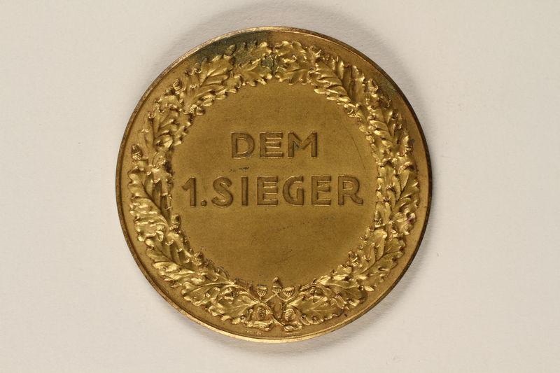 2002.327.5 front Medal