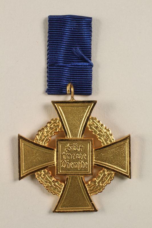 2002.327.15 back Civil Service Faithful Service Cross medal
