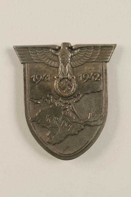 2002.327.20 front Crimean campaign pin