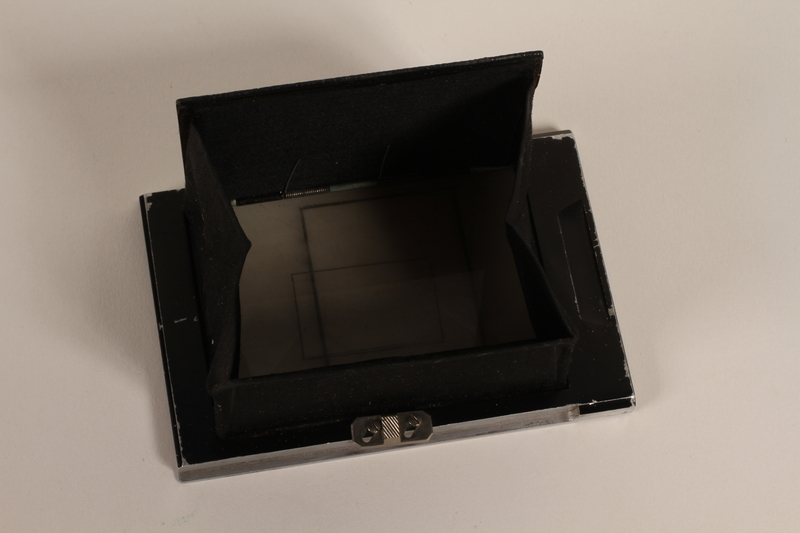 2003.149.58 open Hooded ground glass focusing back for camera used by German Jewish US soldier