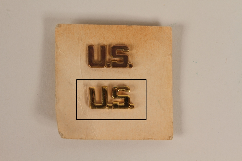 2003.149.30.2 U.S. lapel pin received by a German Jewish US soldier