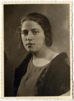 Shmuel's maternal aunt, Lodka Shapiro.  During the Lodz ghetto liquidation in August 1944, Lodka together with her two year old daughter Fanny were deported to Auschwitz-Birkenau and murdered on arrival. Shmuel and Miriam Kaufman Collection  Click to enlarge