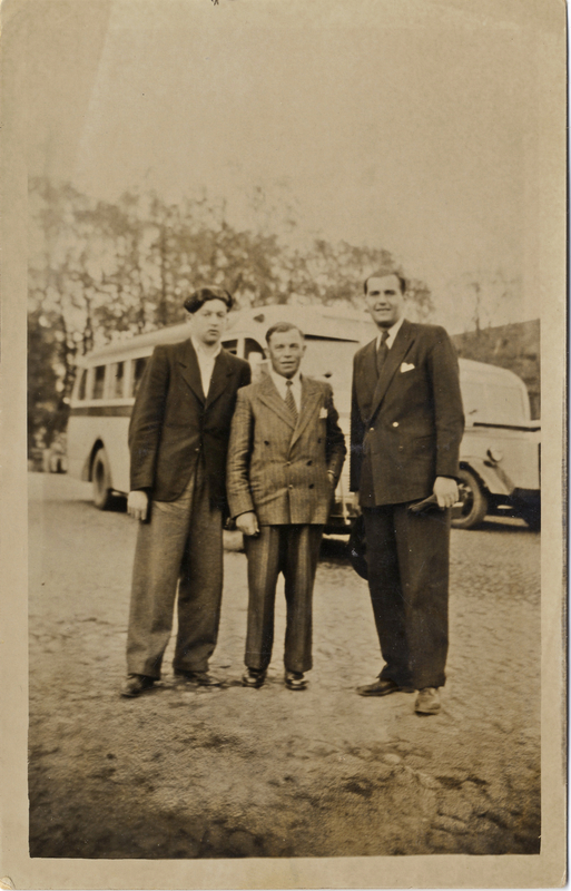 Shmuel with friends at the market place in Falun, Sweden in 1946. Shmuel and Miriam Kaufman Collection