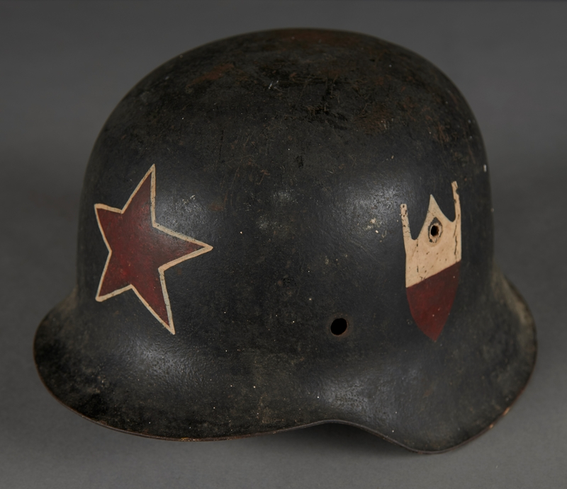 2010.507.2 other Wehrmacht helmet acquired by a US soldier