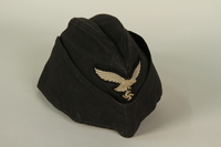 1985.1.14 front Luftwaffe ground crew overseas cap with eagle acquired by US soldier  Click to enlarge