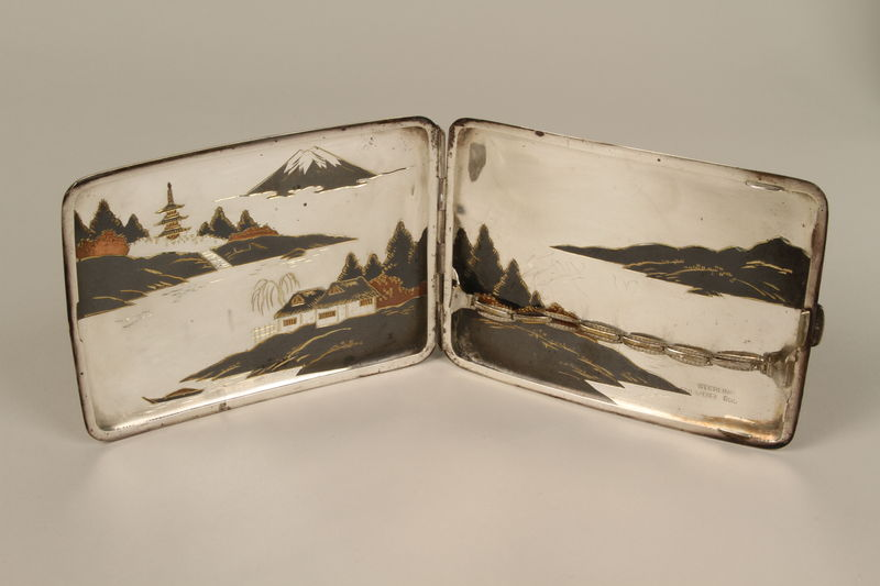 2001.283.4 interior Sterling silver cigarette case with an etched Japanese landscape