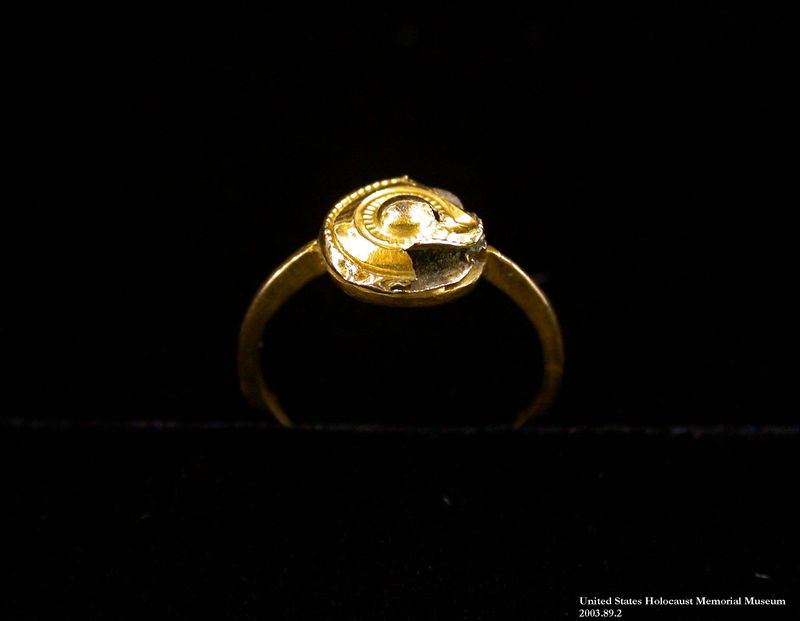 2003.89.2 front Gold finger ring made from earrings saved by a non-Jewish neighbor