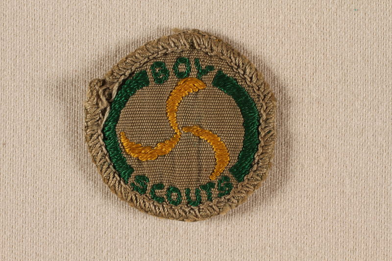 2000.508.9 front Boy Scout badge