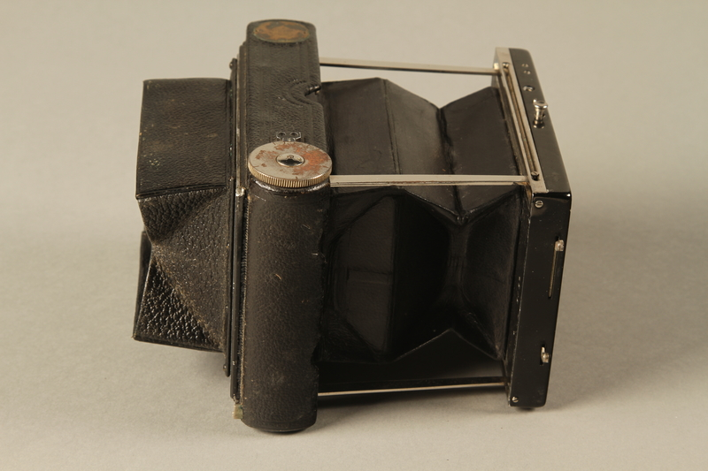2000.526.3 a right Goerz Tenax pocket camera and accessories used by US soldier