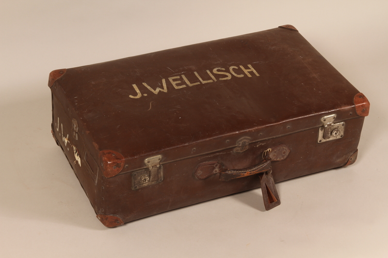 2003.354.1 front Suitcase used by a Jewish woman when she fled Vienna