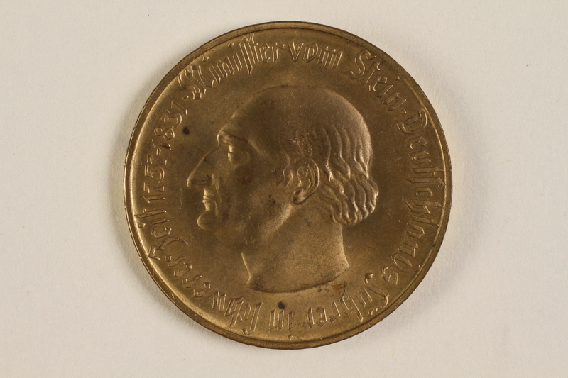 2004.217.2 front 5 million mark gold coin issued as emergency currency in Weimar Germany