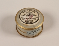 2004.237.4 front Mignot-Boucher face powder box marked Rachel with a Star of David label  Click to enlarge