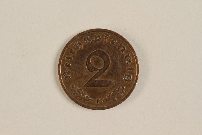 2000.607.1 back 2 Pfennig coin