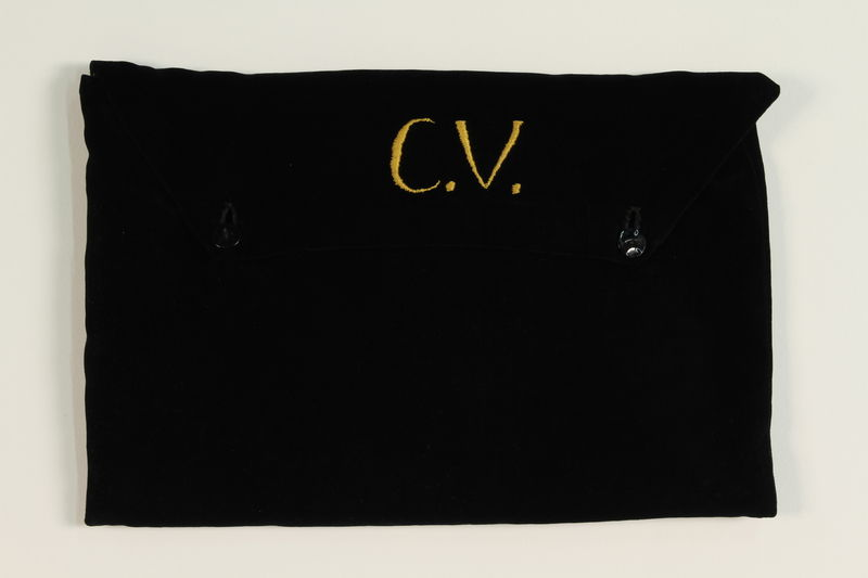 2004.524.17 front Blue velvet tallit pouch with an embroidered monogram owned by a German Jewish refugee