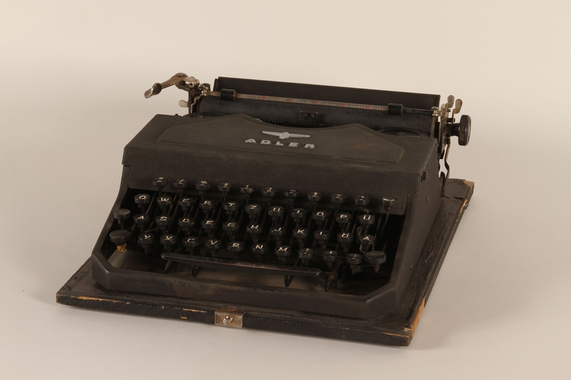 1999.174.1_a front Adler typewriter with fitted case used by a Jewish family in a displaced persons camp
