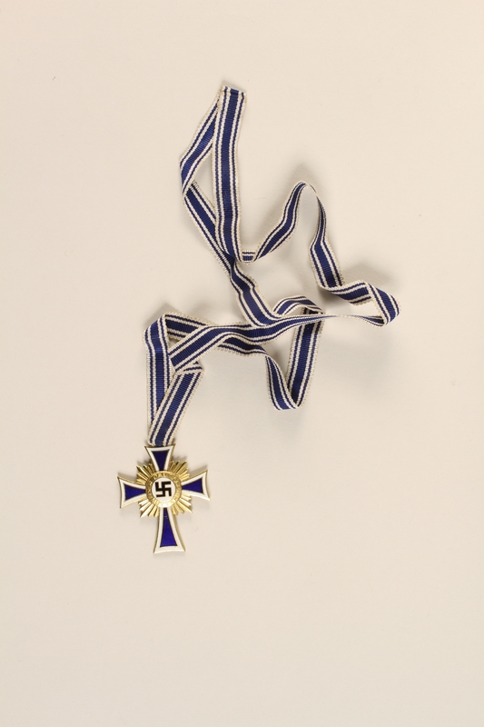 2000.219.13 front Cross of Honor of the German Mother medal, 1st Class Order, Gold Cross