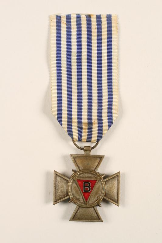 2005.25.4 front Croix du Prisonnier Politique de la Guerre 1940-1945 medal with ribbon, 2 stars, awarded to a Belgian resistance fighter
