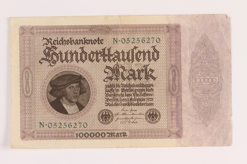 2004.709.8 front Weimar Germany Reichsbanknote, 100000 mark, owned by an Austrian Jewish refugee