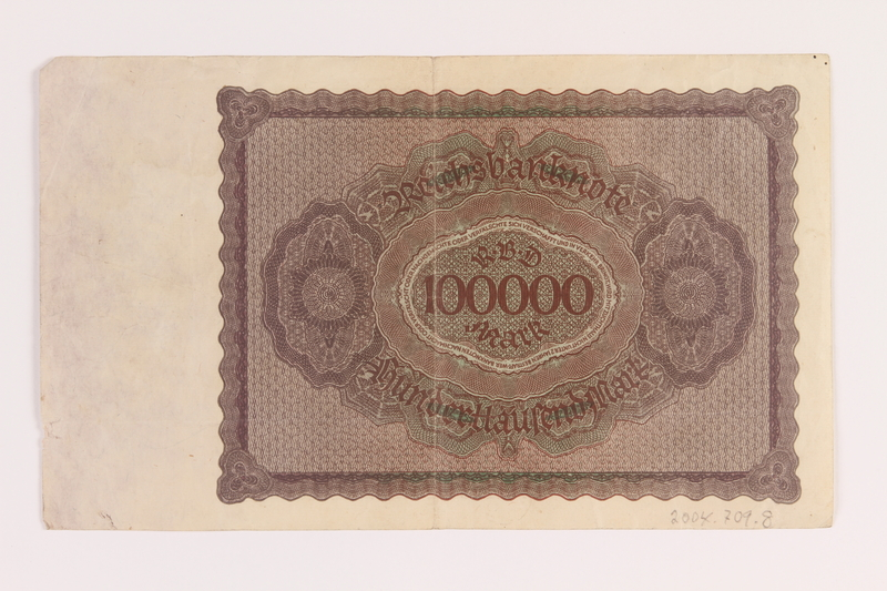 2004.709.8 back Weimar Germany Reichsbanknote, 100000 mark, owned by an Austrian Jewish refugee