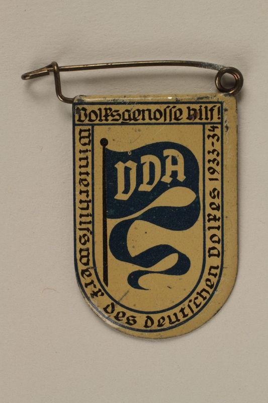 2005.367.3 front Winterhilfswerk Des Deutschen Volkes pin