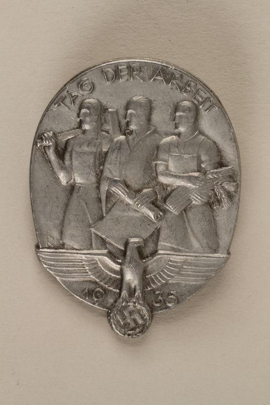 2005.367.15 front German Tag der Arbeit [Labor Day] pin