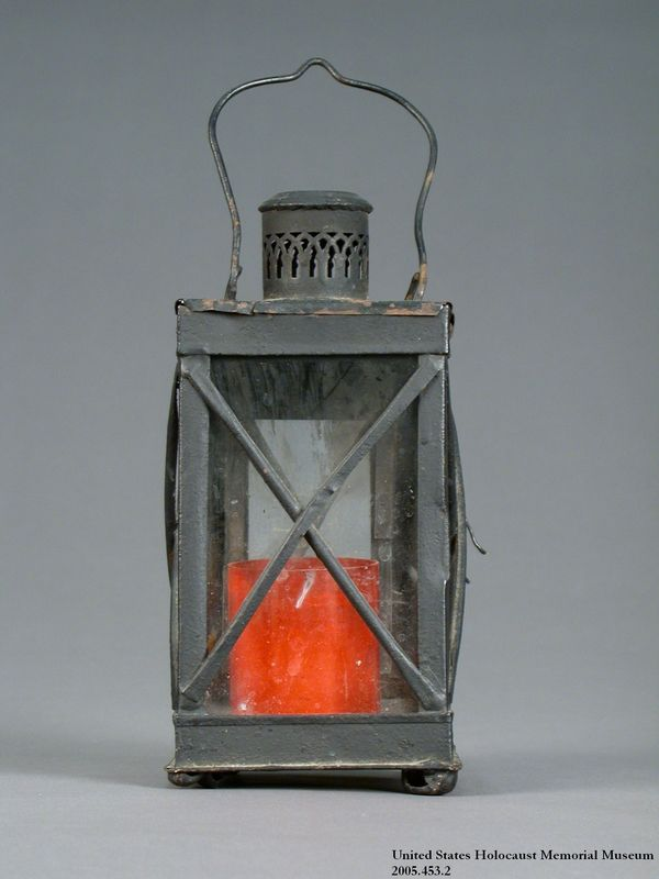 Lantern and candle used by a Sinti family