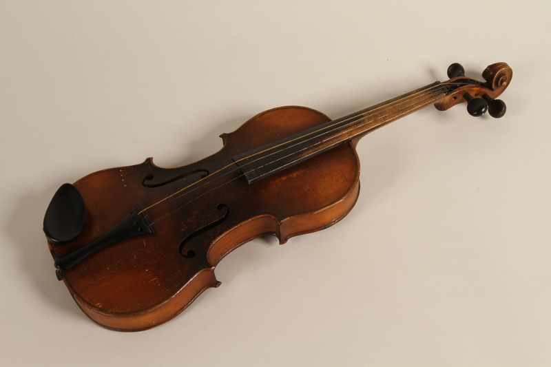 2005.453.9 front Violin used by a Sinti musician