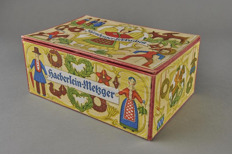 2004.721.7 other Christmas gift box for Haeberlein-Metzger Nuremberg lebkuchen