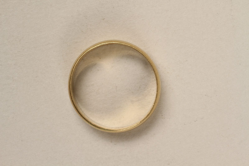 2005.546.3 front Engraved gold wedding band that belonged to a German Jewish refugee