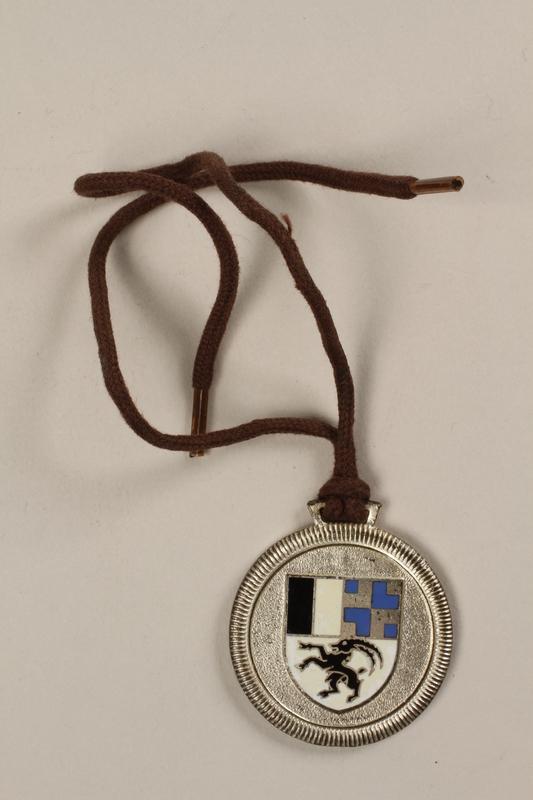 2006.19.14 back Celerina ski school medal owned by a German Jewish businessman in Shanghai