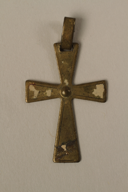 2002.420.23 front Enamelled gold cross pendant worn by a Jewish child or his mother in hiding as Catholics