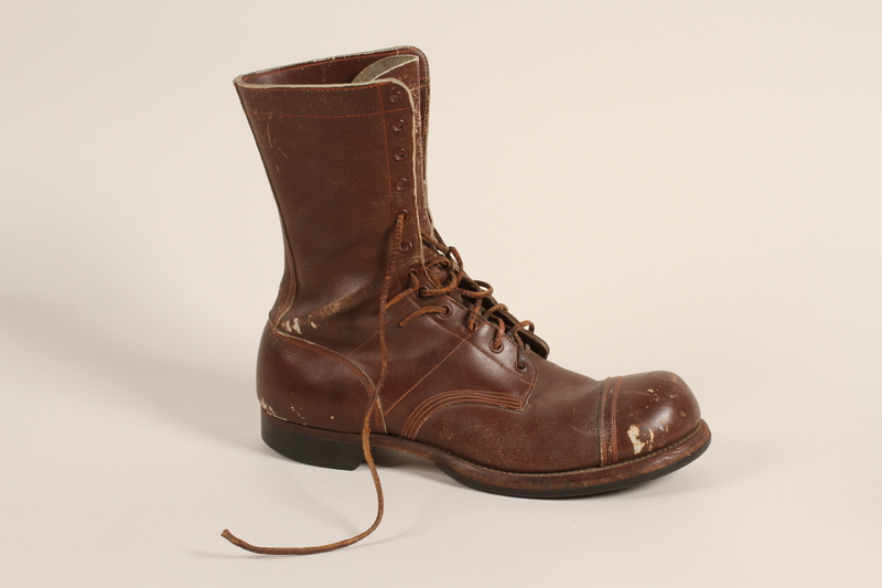 2006.11.5_b front Pair of US Army paratrooper boots worn by a soldier