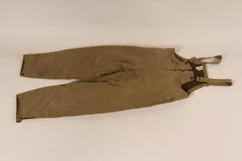 2006.11.6 front US Army khaki winter overalls worn by a soldier