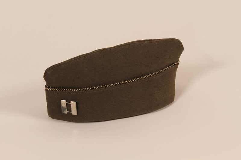 2006.11.16 front US Army garrison cap with piping and captain's insignia worn by a Jewish soldier