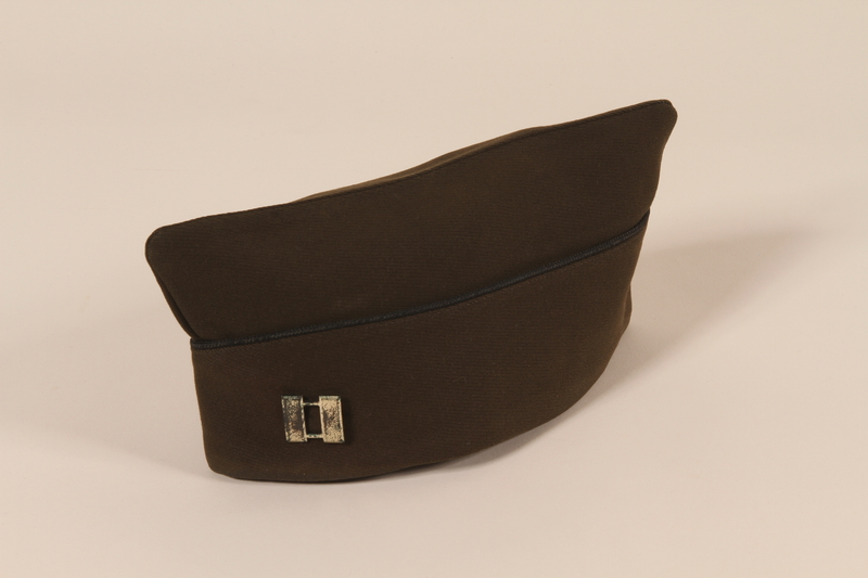2006.11.17 front US Army garrison cap with black piping and captain's insignia worn by a Jewish soldier