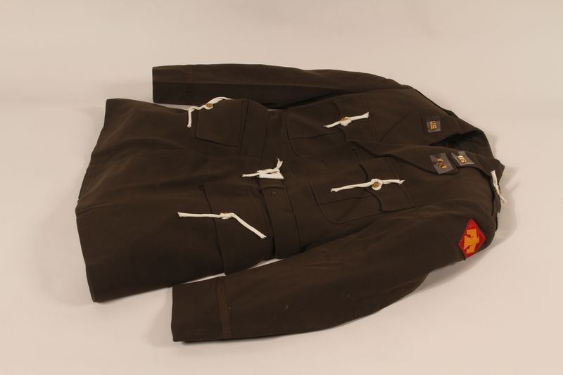 2006.11.19 front US Army captain's dress jacket worn by a soldier