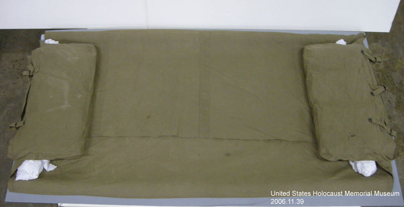2006.11.39, Olive drab, bedding roll, J. George Mitnick Collection US Army olive drab canvas bed roll used by a soldier