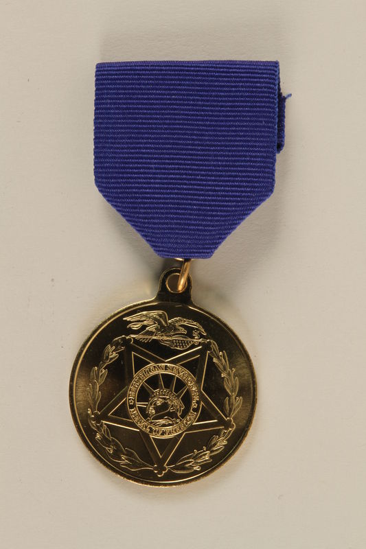 2006.11.40_a front Republican Senatorial Medal of Freedom and presentation case awarded to J. George Mitnick