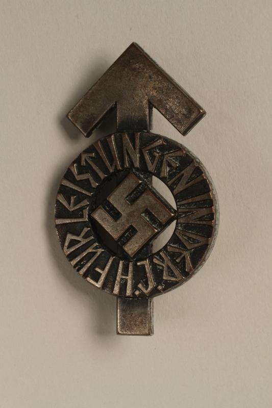 2008.103.1 front Hitler Jugend Leistungsabzeichen [Hitler Youth] proficiency badge