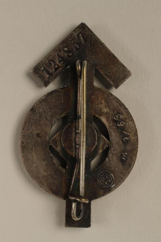 2008.103.1 back Hitler Jugend Leistungsabzeichen [Hitler Youth] proficiency badge