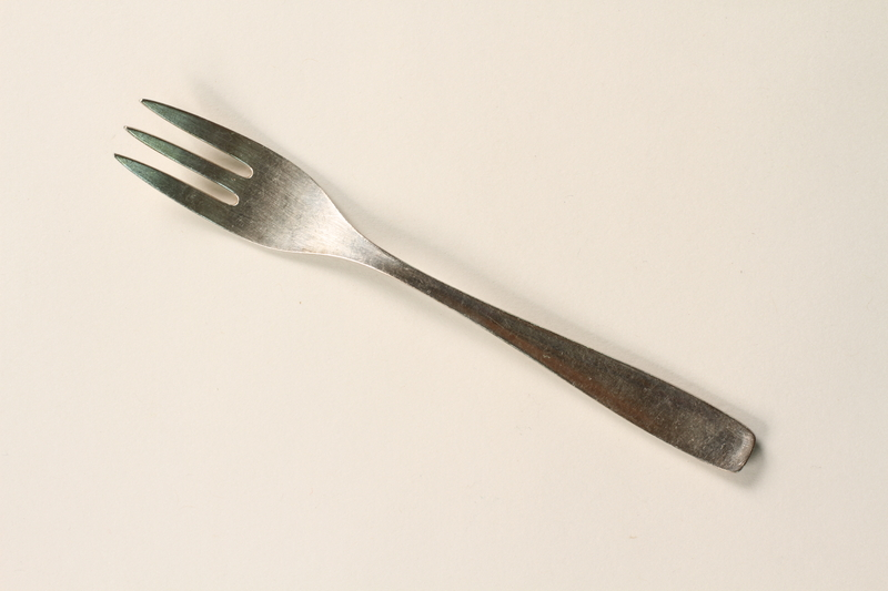 2001.298.3 front Silver fork