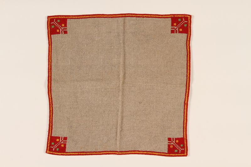 2000.496.1_a front Tablecloth and napkin set