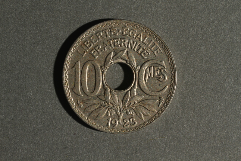 1988.106.1.2 back France, 10 centimes coin