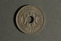 1988.106.1.2 back France, 10 centimes coin  Click to enlarge