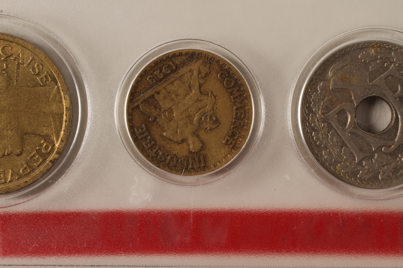 1988.106.1.3 back France currency, 50 centimes coin