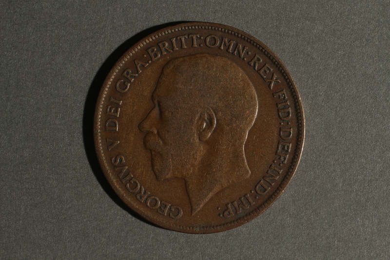 1988.106.1.6 front United Kingdom currency, 1 penny coin