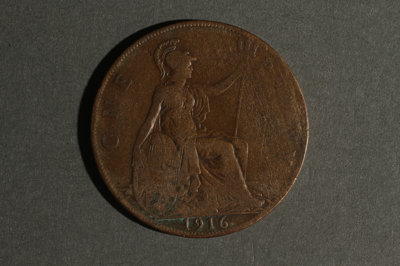 1988.106.1.6 back United Kingdom currency, 1 penny coin