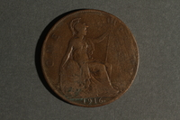1988.106.1.6 back United Kingdom currency, 1 penny coin  Click to enlarge