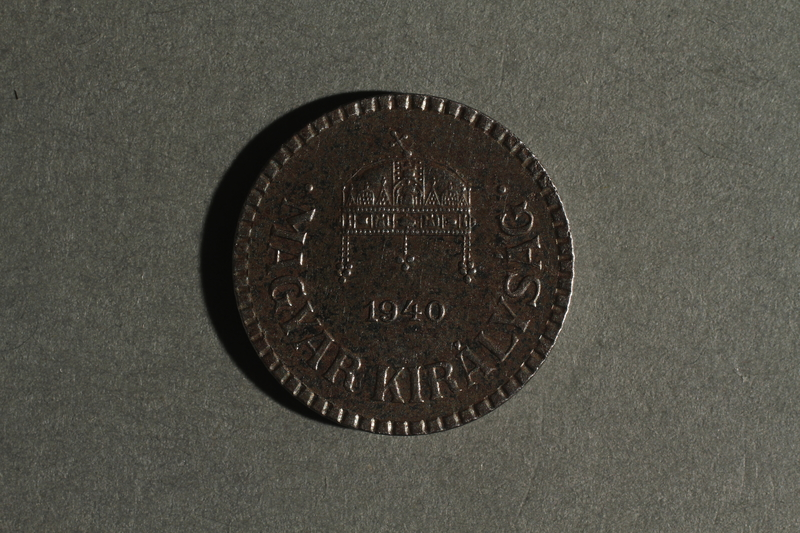 1988.106.1.18 front Hungary currency, 2 fillér coin