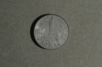 1988.106.1.20 back Denmark currency, 1 øre coin  Click to enlarge
